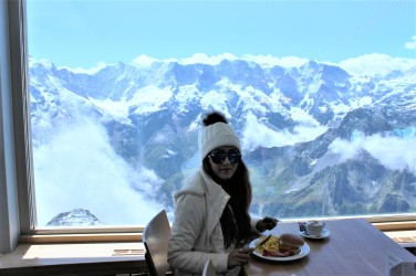 Piz Gloria: 360degree revolving restaurant at Schilthorn
